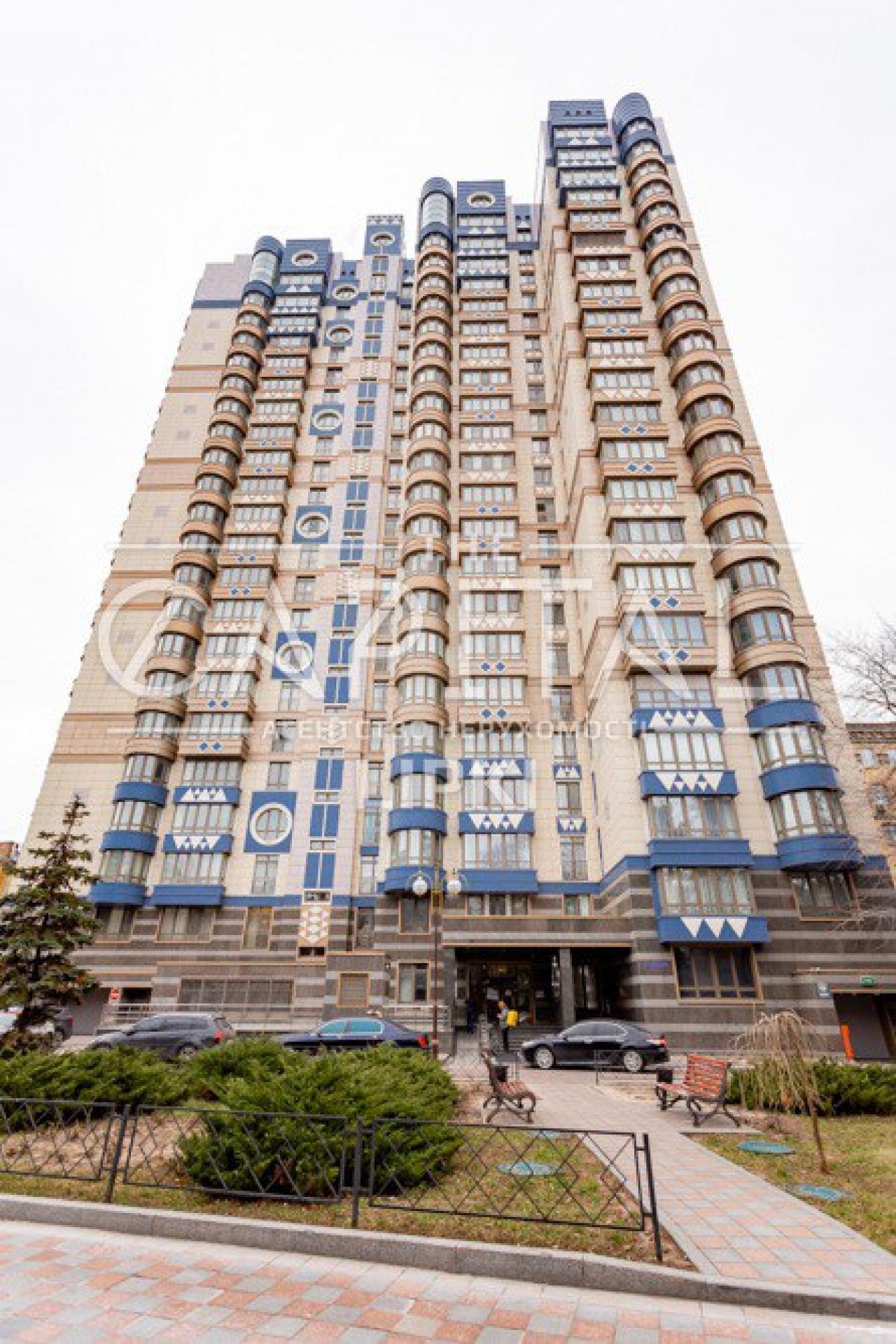 Продажа 6 комн. квартиры Институтская 18а за 3145000 USD