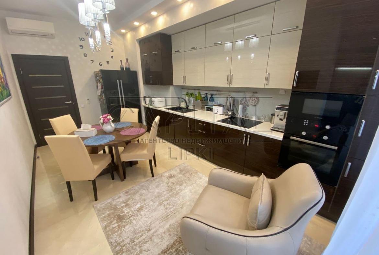 Продажа 3 комн. квартиры Драгомирова 14 за 270000 USD