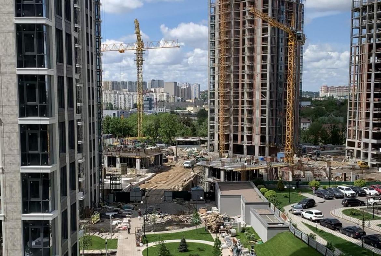 Продажа 1 комн. квартиры Драгомирова 72.1 за 170000 USD